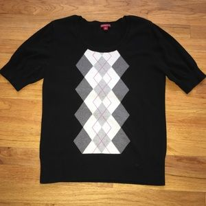Short sleeve argyle sweater